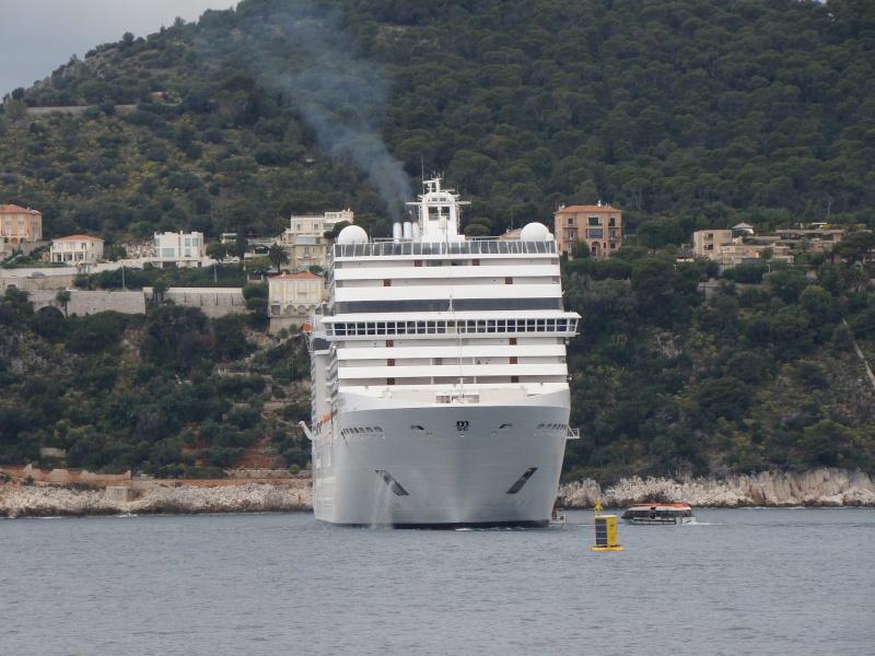 [Vie des ports] Le Port de Nice Dsc09813