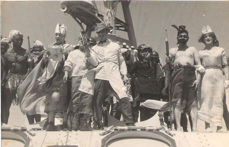 [ Les traditions dans la Marine ] LE PASSAGE DE LA LIGNE - ÉQUATEUR (Sujet unique) - Page 11 Ligne_13