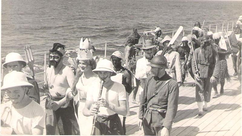 [ Les traditions dans la Marine ] LE PASSAGE DE LA LIGNE - ÉQUATEUR (Sujet unique) - Page 11 Ligne_14