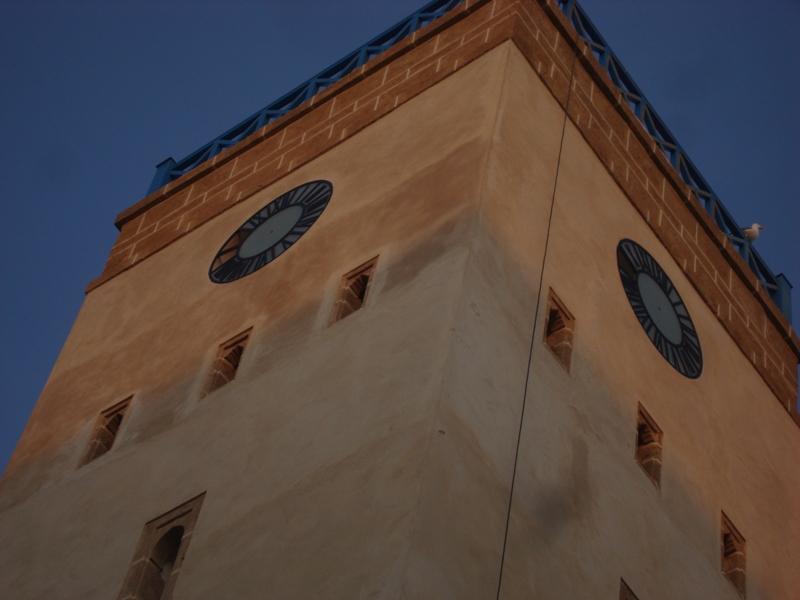 Après sa rénovation de notre horloge !Ses cloches retentirons comme jadis Dsc00413