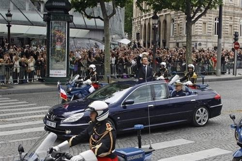 [EVENEMENT] La DS 5, voiture présidentielle Sarkoz10