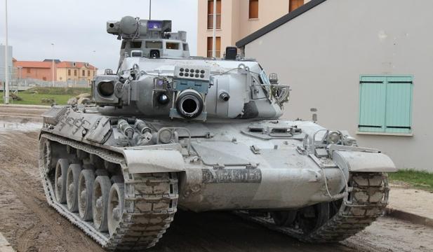 L'armée française se prépare à mener le combat dans les cités Char10