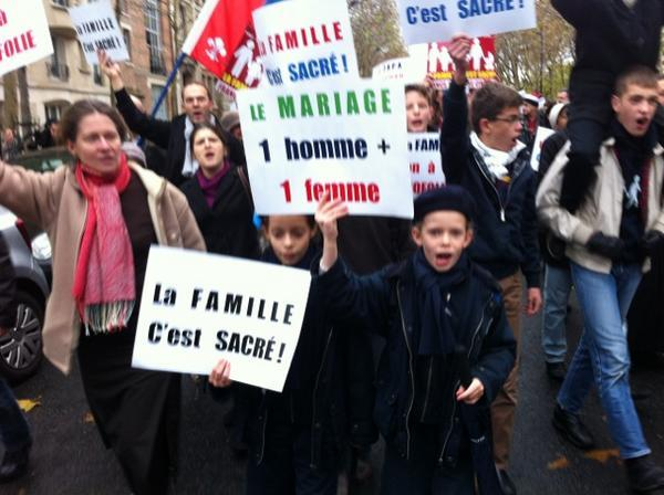 manif à Paris le 18 Nov : Non au Mariage homosexuel... Homo610