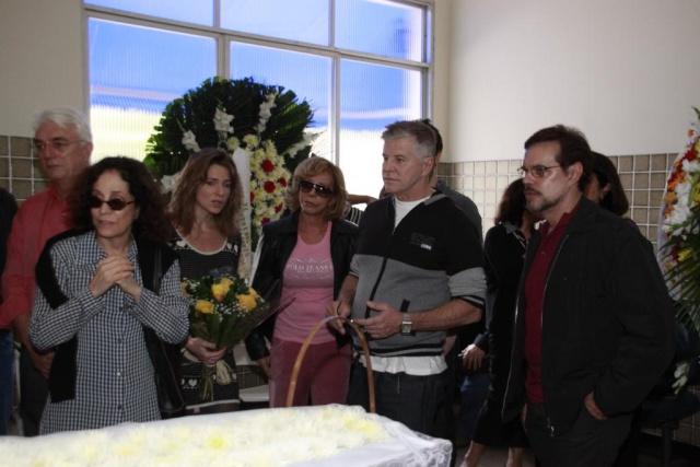 Famosos dão adeus a Ítalo Rossi Image610