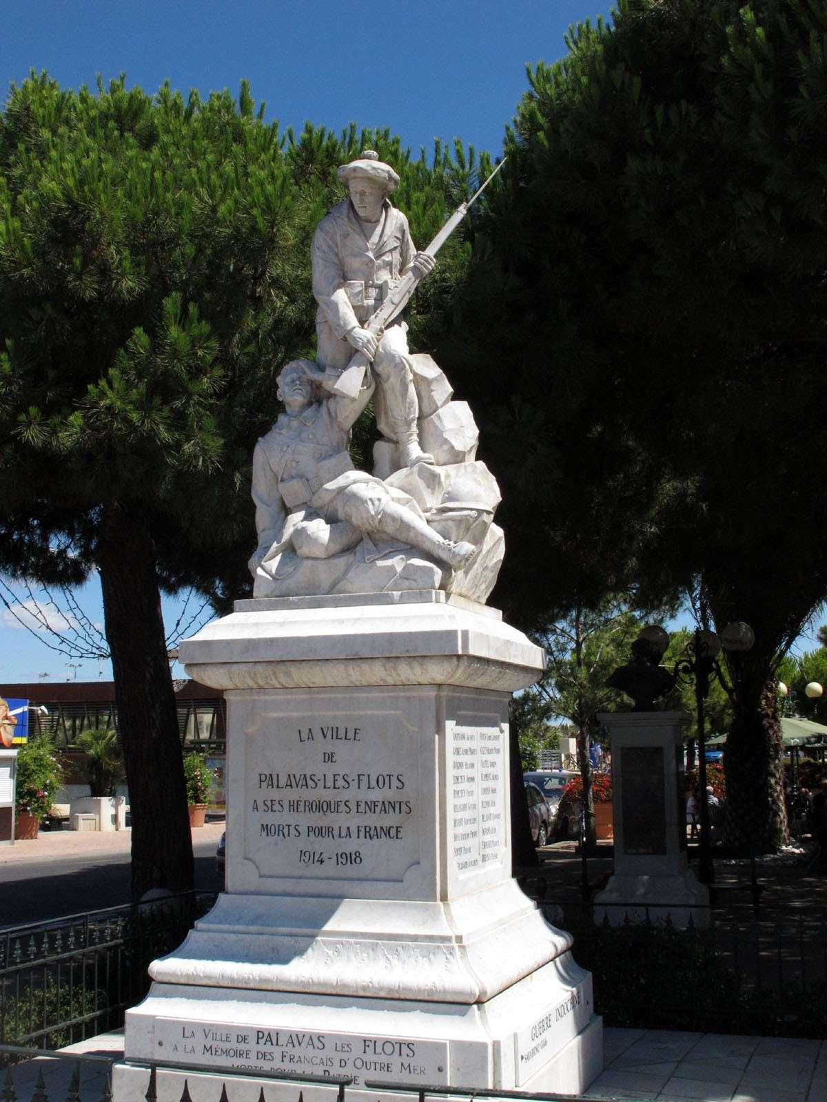 [Histoires et Histoire] Monuments aux morts originaux Français Tome 1 - Page 4 Img_1912