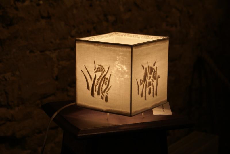 une lampe en boutis Dsc03012
