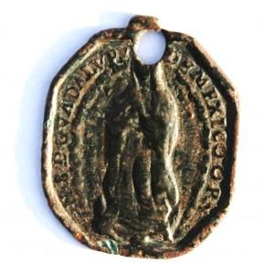 Médaille Vierge de Guadalupe et St-Claude-de-Besançon Dsc_3411