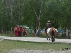 La Chine sac au dos (17) Voyage au pays du Kham(康巴)- Episode 1 : De Yushu(玉树) au Qinghaï à Ganzi(甘孜) au Sichuan C1_moi10