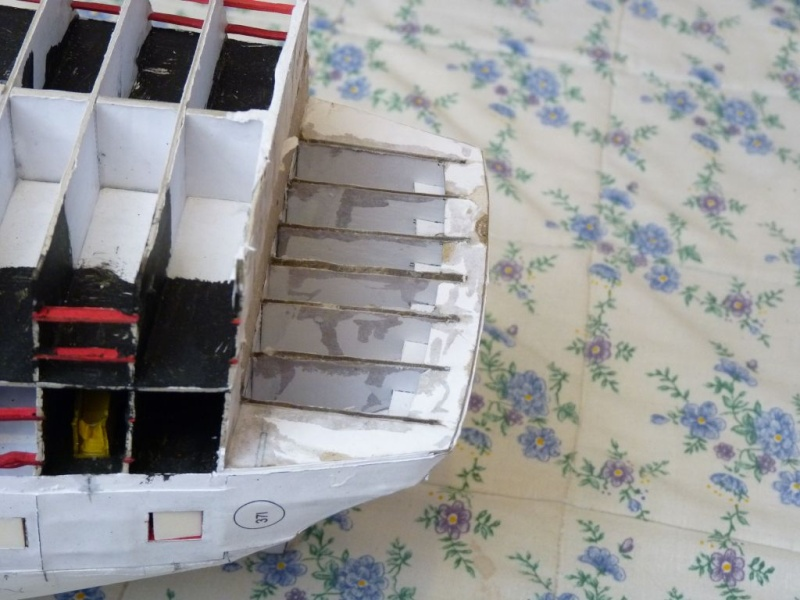 HMS Victory Shipyard scaliert 1:96 auf 1:84 aus Karton P1020232