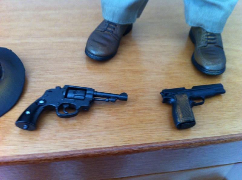 Indiana Jones Sideshow Pistol10