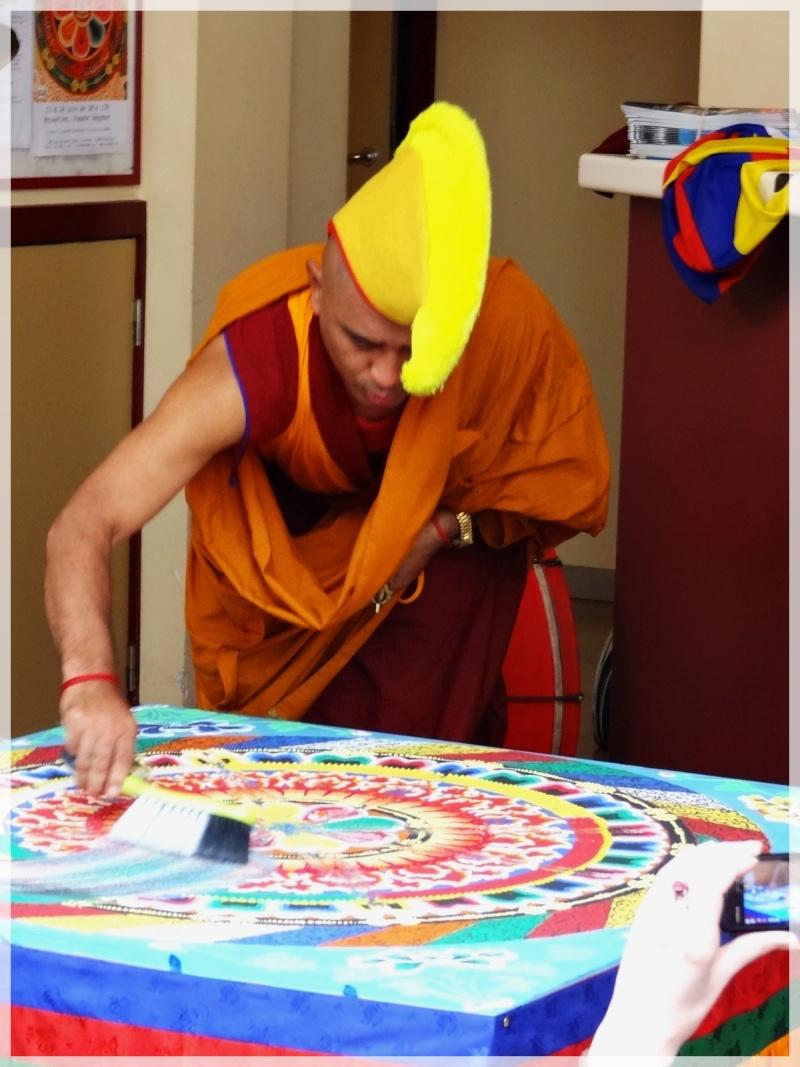 Céation et dissolution d'un Mandala Dsc05816