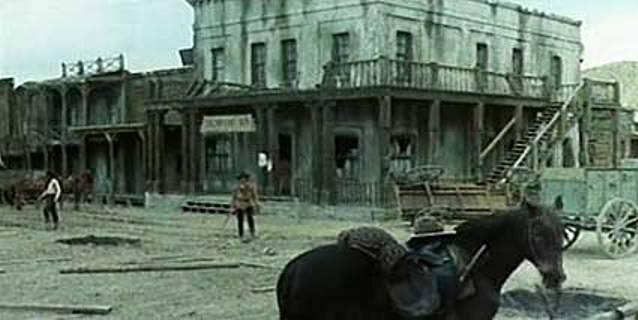 Villes abandonnées. Ruins110