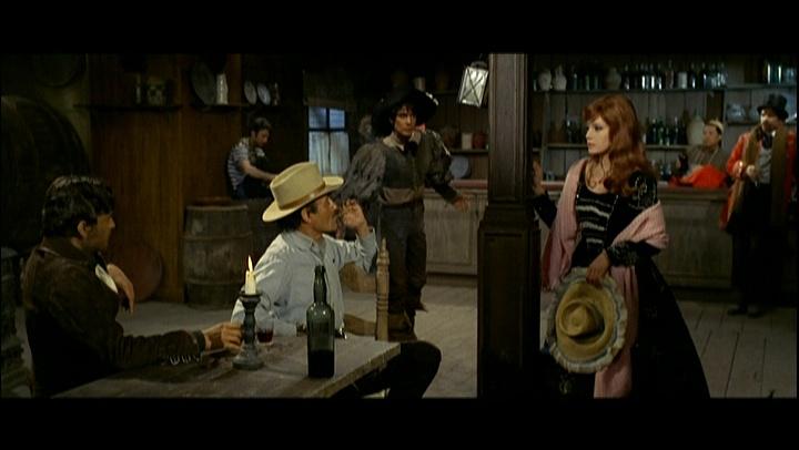 Django porte sa croix - Quella sporca storia del West - Enzo G. Castellari - 1968 Untit101