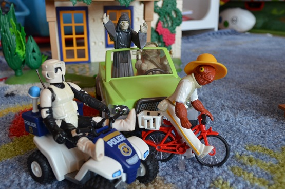 Star Wars Figures in Action!!: Overview On Page 1 - Page 5 7_empo10