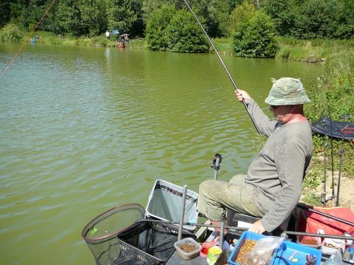 Festival de pêche sur le plan d'eau de Chuzelles (38) les 16 et 17 juin 2012 69a84611