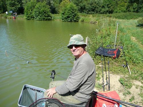 Festival de pêche sur le plan d'eau de Chuzelles (38) les 16 et 17 juin 2012 6cd83610
