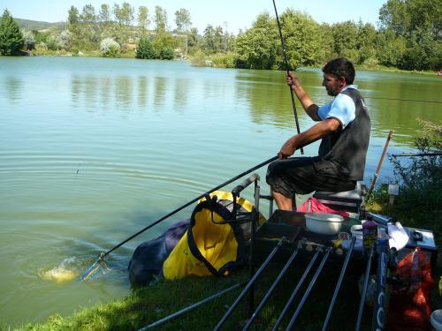Festival de pêche sur le plan d'eau de Chuzelles (38 les 10 et 11 septembre 2011 - Page 2 823af310