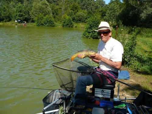 Festival de pêche sur le plan d'eau de Chuzelles (38) les 16 et 17 juin 2012 86f10511