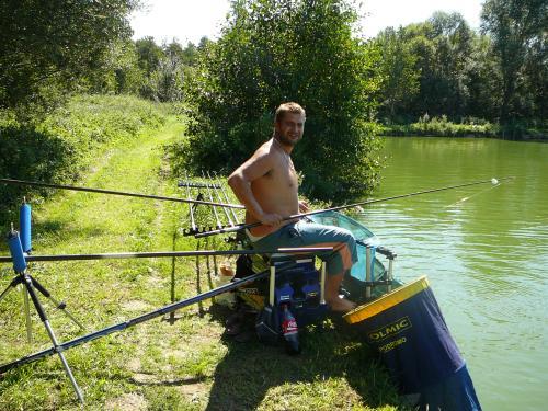 Festival de pêche sur le plan d'eau de Chuzelles (38 les 10 et 11 septembre 2011 - Page 2 D7cc7a10