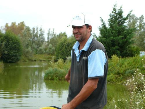 Festival de pêche sur le plan d'eau de Chuzelles (38 les 10 et 11 septembre 2011 - Page 2 Dfef4010