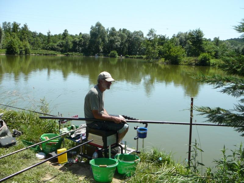 Festival de pêche sur le plan d'eau de Chuzelles (38) les 16 et 17 juin 2012 - Page 2 P1090110