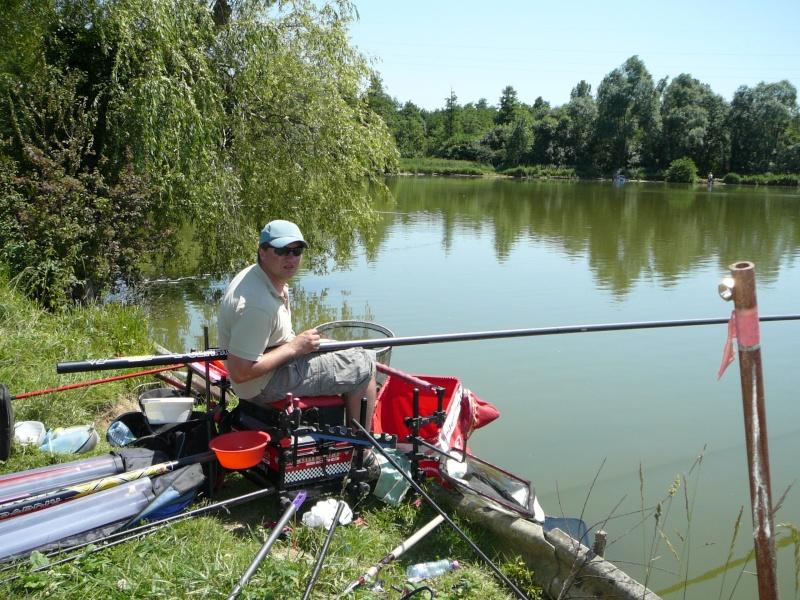 Festival de pêche sur le plan d'eau de Chuzelles (38) les 16 et 17 juin 2012 - Page 2 P1090111