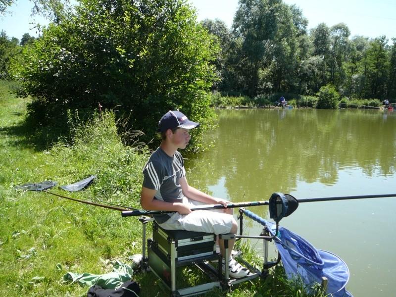 Festival de pêche sur le plan d'eau de Chuzelles (38) les 16 et 17 juin 2012 - Page 2 P1090115