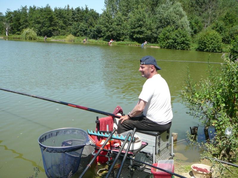 Festival de pêche sur le plan d'eau de Chuzelles (38) les 16 et 17 juin 2012 - Page 2 P1090118