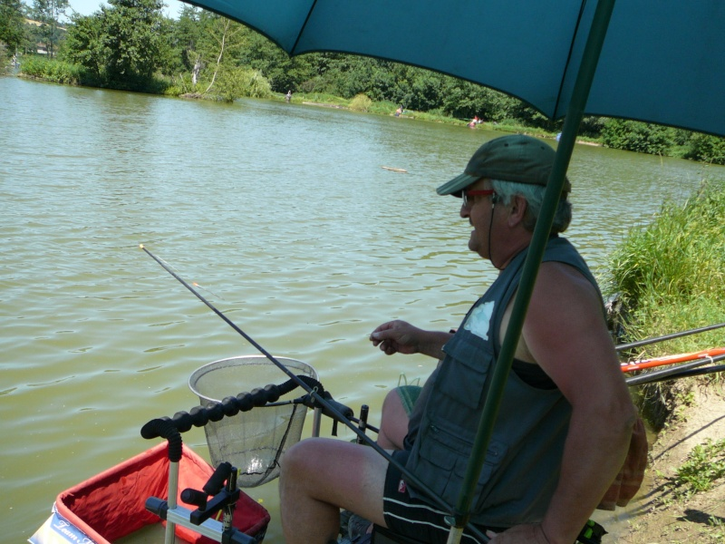 Festival de pêche sur le plan d'eau de Chuzelles (38) les 16 et 17 juin 2012 - Page 2 P1090120