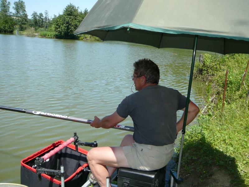 Festival de pêche sur le plan d'eau de Chuzelles (38) les 16 et 17 juin 2012 - Page 2 P1090121