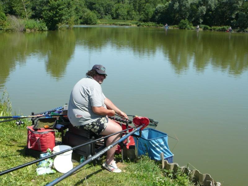 Festival de pêche sur le plan d'eau de Chuzelles (38) les 16 et 17 juin 2012 - Page 2 P1090123