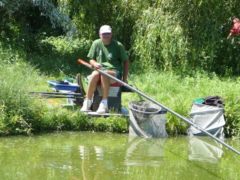 Festival de pêche sur le plan d'eau de Chuzelles (38) les 16 et 17 juin 2012 - Page 2 P1090124