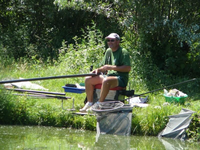 Festival de pêche sur le plan d'eau de Chuzelles (38) les 16 et 17 juin 2012 - Page 2 P1090125