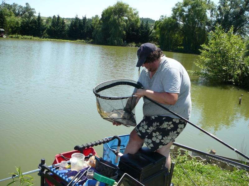 Festival de pêche sur le plan d'eau de Chuzelles (38) les 16 et 17 juin 2012 - Page 2 P1090126