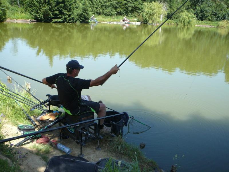 Festival de pêche sur le plan d'eau de Chuzelles (38) les 16 et 17 juin 2012 - Page 2 P1090131