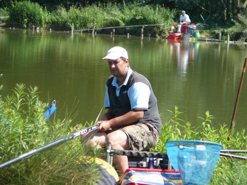 Festival de pêche sur le plan d'eau de Chuzelles (38) les 16 et 17 juin 2012 - Page 2 P1090137
