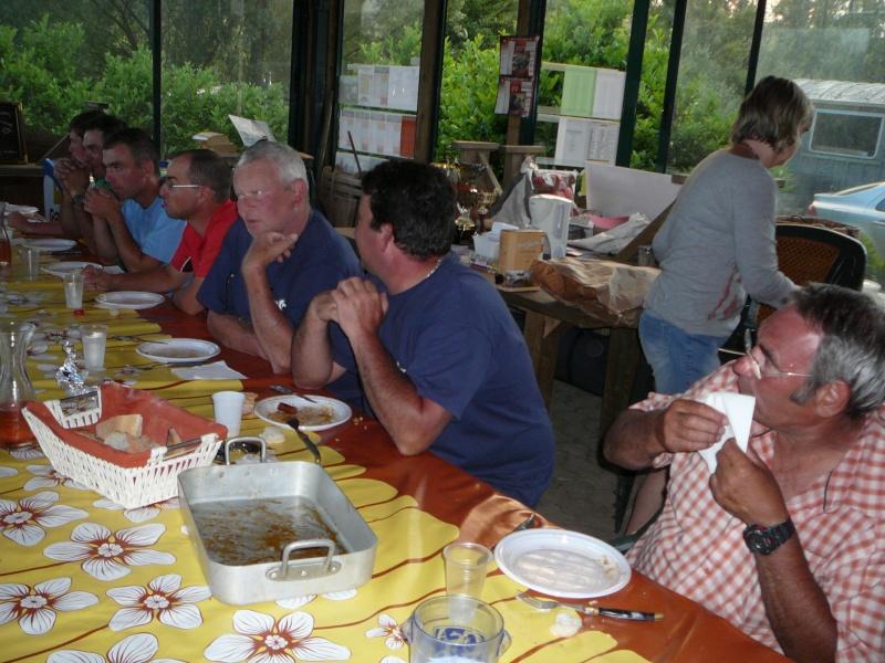 Festival de pêche sur le plan d'eau de Chuzelles (38) les 16 et 17 juin 2012 - Page 2 P1090140