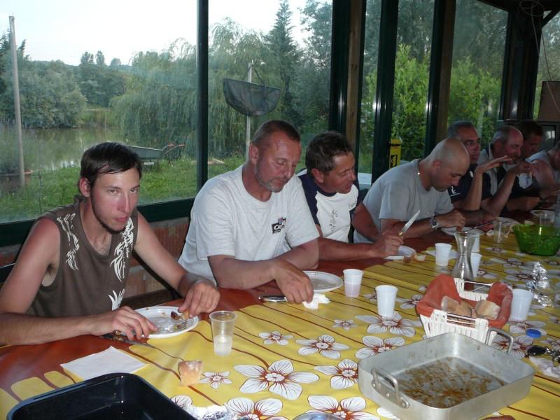 Festival de pêche sur le plan d'eau de Chuzelles (38) les 16 et 17 juin 2012 - Page 2 P1090141