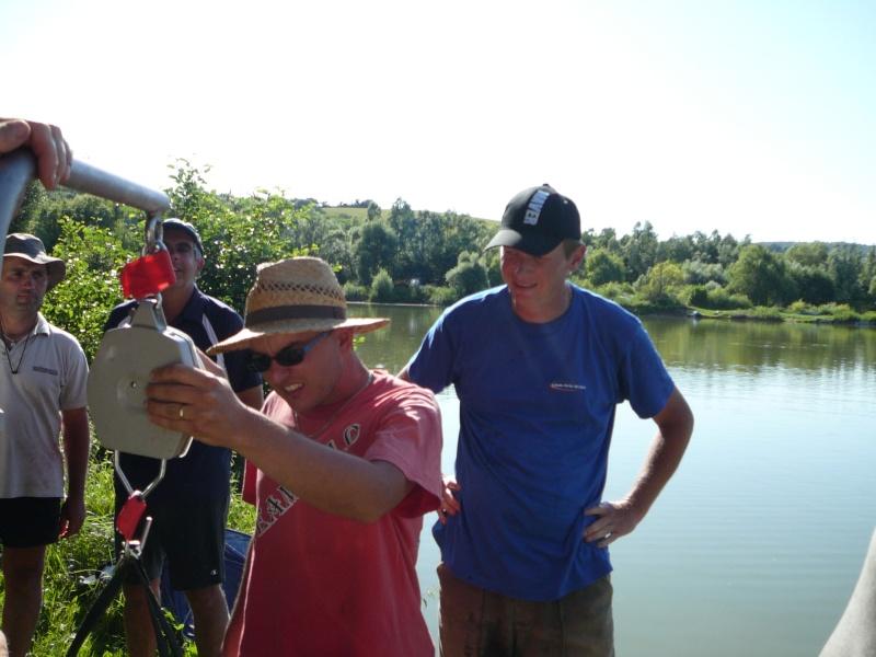 Festival de pêche sur le plan d'eau de Chuzelles (38) les 16 et 17 juin 2012 - Page 2 P1090211