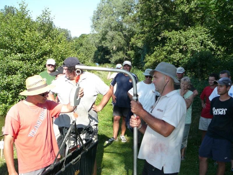 Festival de pêche sur le plan d'eau de Chuzelles (38) les 16 et 17 juin 2012 - Page 2 P1090212