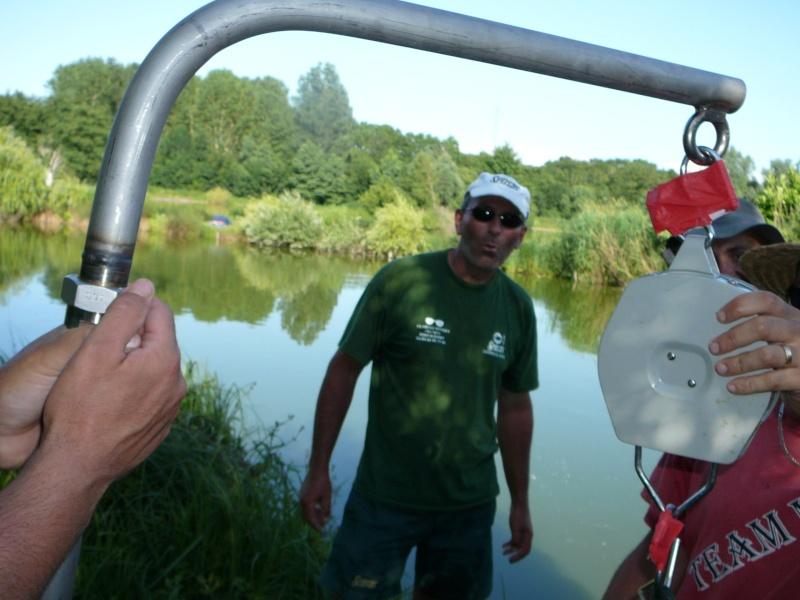 Festival de pêche sur le plan d'eau de Chuzelles (38) les 16 et 17 juin 2012 - Page 2 P1090214