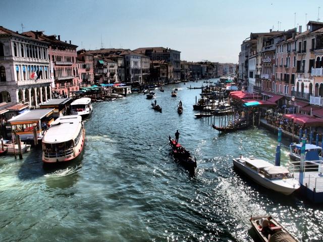 retour d'Italie : quelques photos supplémentaires en page 3 - Page 2 20110934
