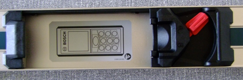 Télémêtre laser BOSCH GLM80 + R60 Dscf5015