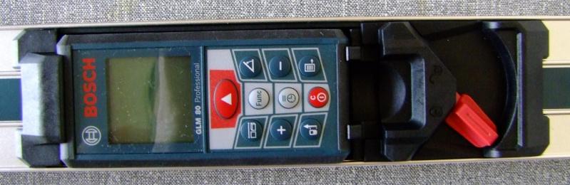 Télémêtre laser BOSCH GLM80 + R60 Dscf5017