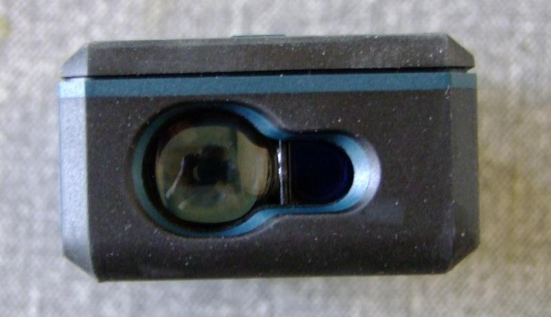 Télémêtre laser BOSCH GLM80 + R60 Dscf5022