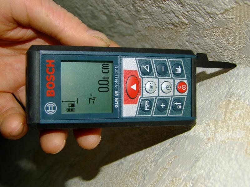 Télémêtre laser BOSCH GLM80 + R60 Dscf5027