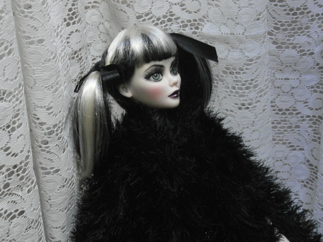 THEME DE NOVEMBRE 2012 : Le Noir , le gothique etc... Sam_4816