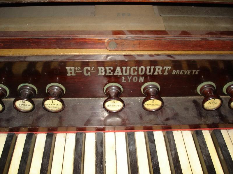 Harmonium H.C Beaucourt Dsc04810