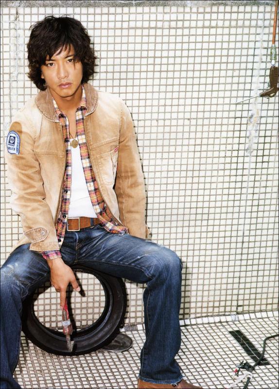 """Takuya Kimura """"Kimutaku"""" - Page 7 U120p118"""