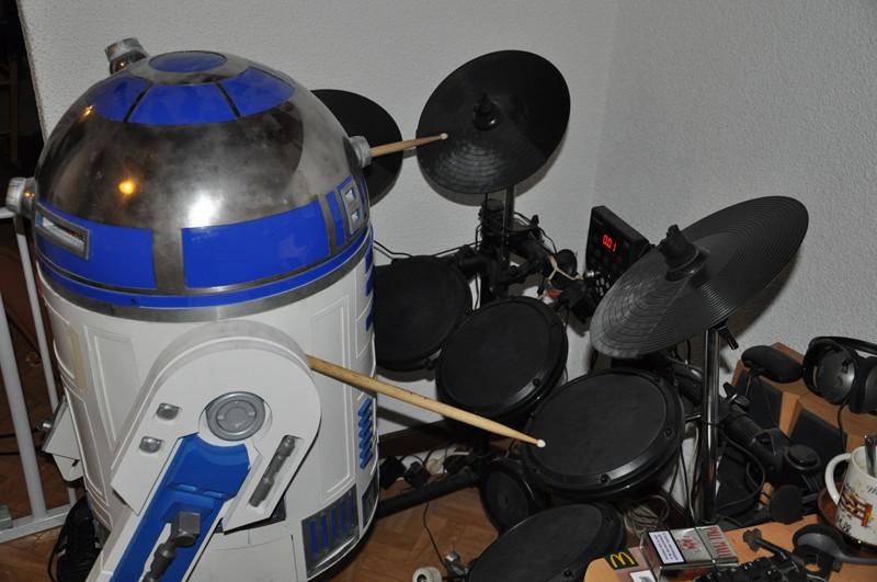 le R2-D2 a larsen life size - Page 2 Dsc_0014